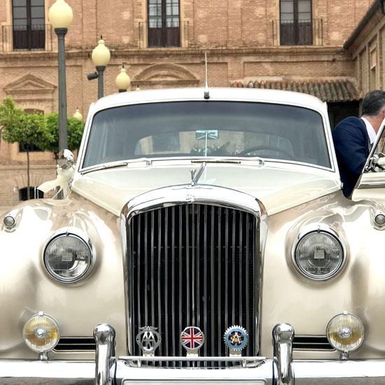 servicios-alquiler-coches-bodas-arancha-wedding-planner